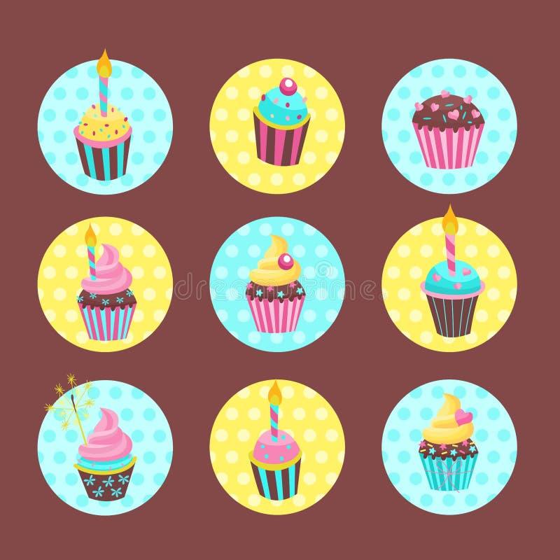 Stellen Sie von den Vektoraufklebern, Umbauten ein Reizende Geburtstag Kuchen und kleine Kuchen mit Kerzen stock abbildung