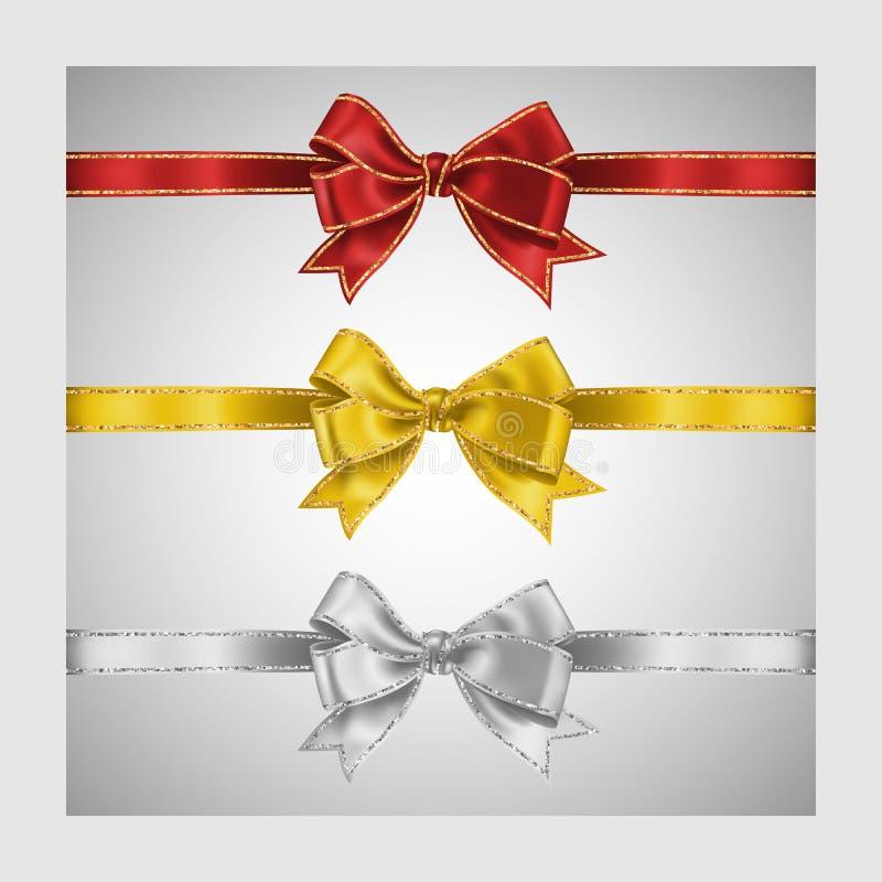 Stellen Sie von drei realistischem weißem, gelbem und rotem Seidenbandbogen mit Gold und von den glänzenden Streifen des silberne vektor abbildung