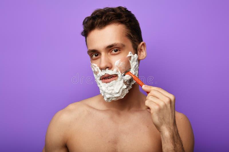 Stelna och rakkniven som är bra för känslig hud fotografering för bildbyråer