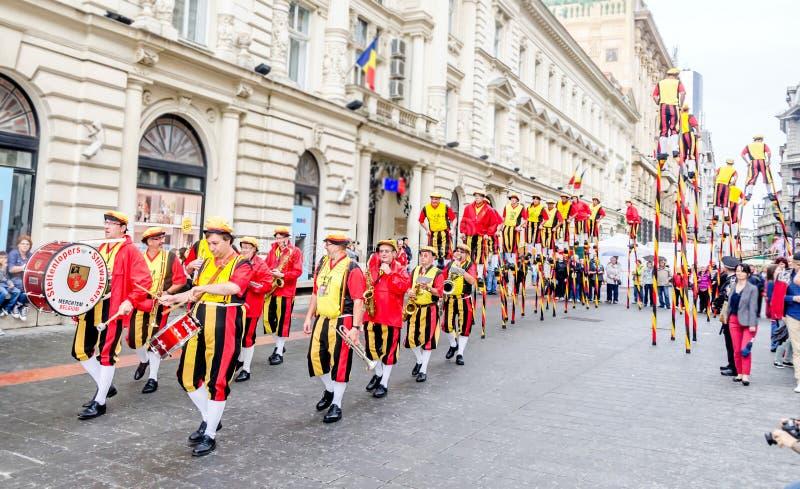 Steltlopers Merchtem Belgium, Stiltwalkers royalty free stock photos