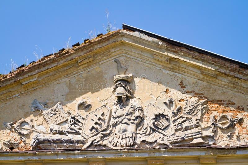 Stemma dell'argento polacco Pilawa della famiglia di Potocki di conteggio in Tulchyn sull'ala sinistra del palazzo, giorno di est fotografia stock