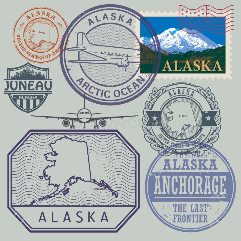 Stempel stellte mit dem Namen und der Karte von Alaska ein stock abbildung