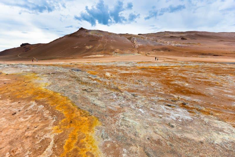 Stenöken på geotermiskt område Hverir, Island arkivbild
