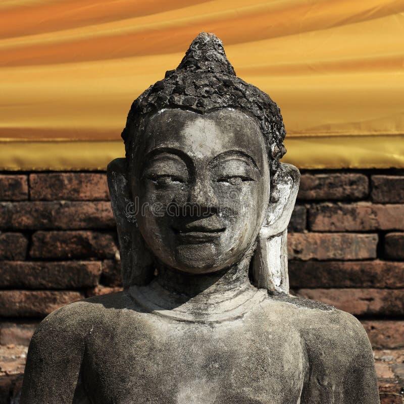 Sten för Buddhastatyskulptur arkivbilder