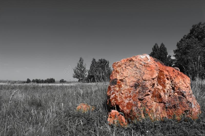 Sten och lutninghimmel royaltyfri fotografi