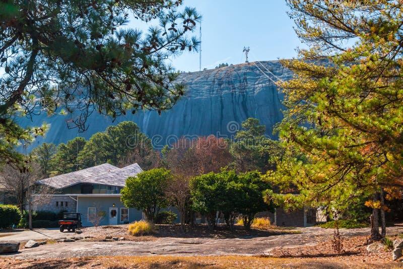 Stena berget och sörja träd, Georgia, USA fotografering för bildbyråer