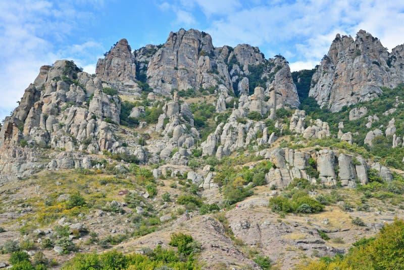 Stena pelare och vaggar i dalen av spökar arkivbild