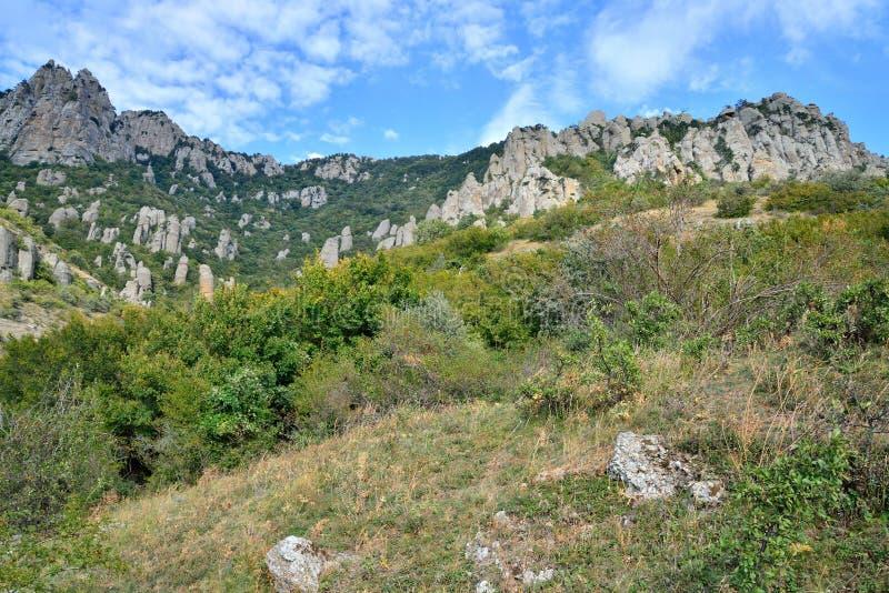 Stena pelare och vaggar i dalen av spökar arkivfoto
