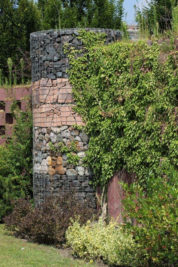 Stenar i ingrepp royaltyfri fotografi