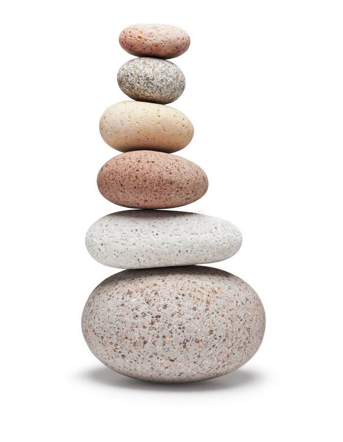 Stenar staplar vaggar jämvikt fotografering för bildbyråer