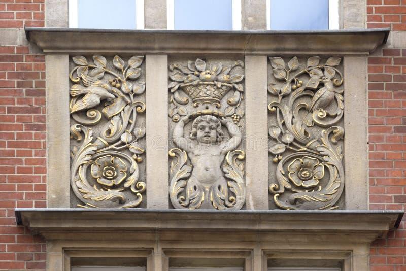 Stenbasreliefer av Gdansk arkivbilder