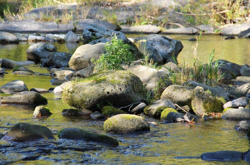Stenblock, i att torka vatten arkivfoton
