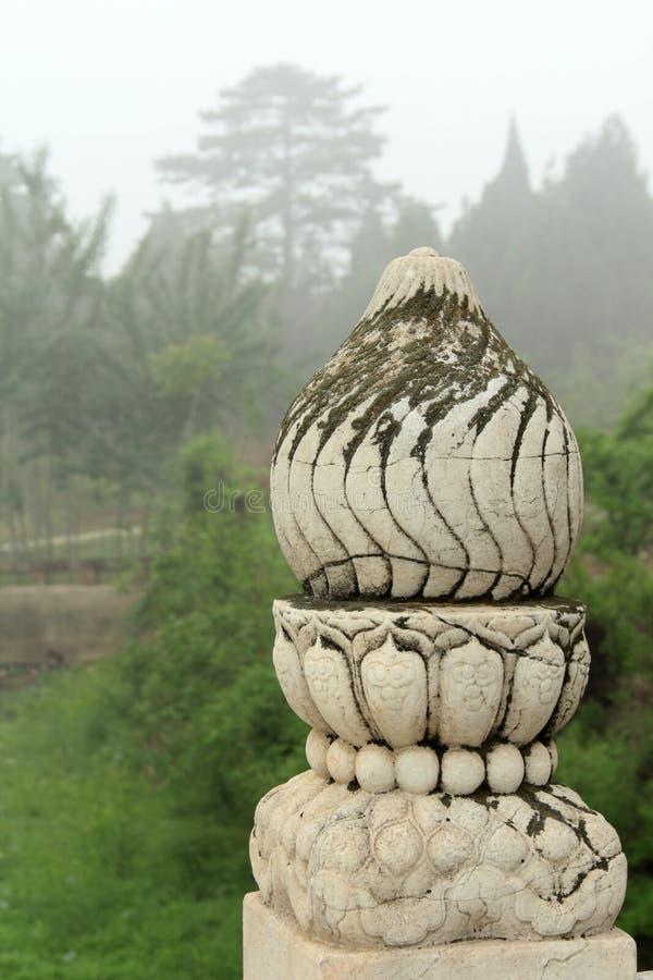 Stencarvings arbetar på bron, östliga kungliga gravvalv av qet royaltyfria foton