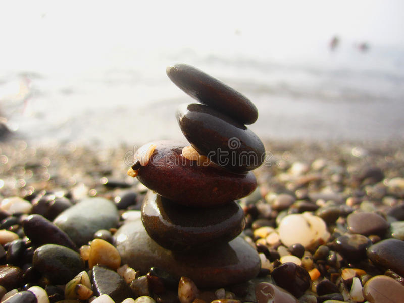 Stenen op het strand stock afbeelding