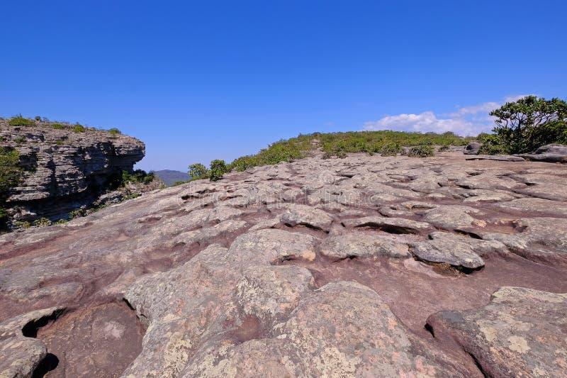 Stenen vaggar bildande av Morro gör överst det Pai Inacio berget, den Chapada Diamantina nationalparken, Lencois, Bahia, Brasilie arkivbilder