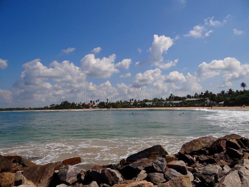 Stenig kust, Sri Lanka royaltyfria foton