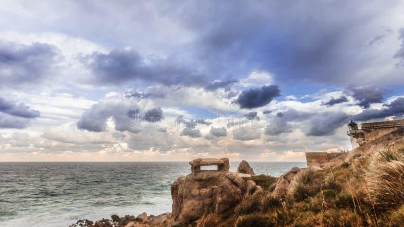 Stenig kustlinje av Sicilien, Italien arkivfoton
