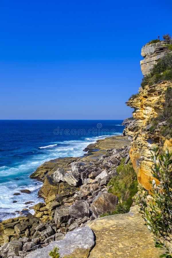 Stenig kustlinje i manligt, Australien royaltyfria foton