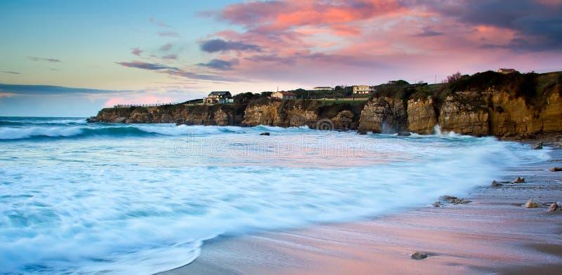 Download Stenig strand fotografering för bildbyråer. Bild av sceniskt - 37345437