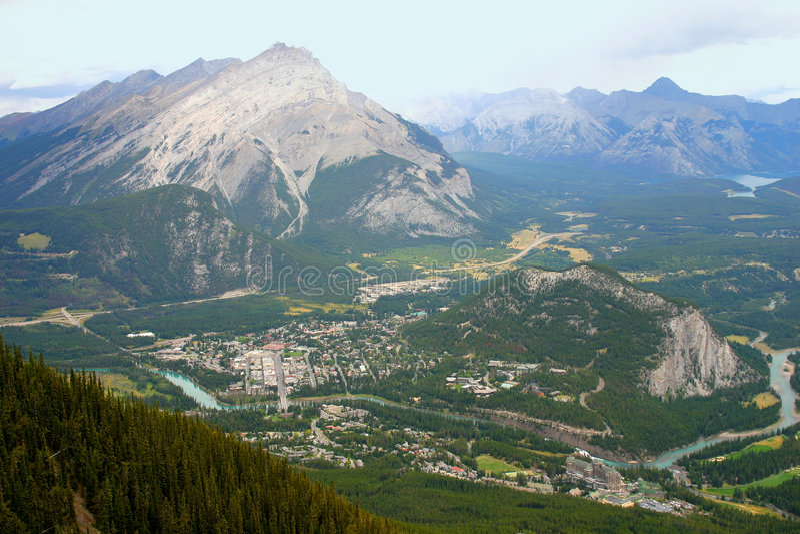 Download Steniga berg fotografering för bildbyråer. Bild av massivt - 234421