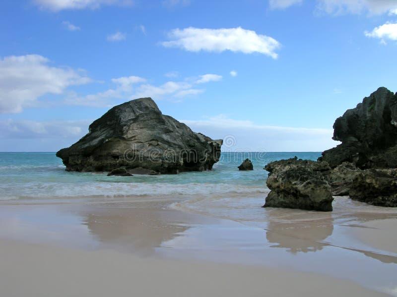 Download Steniga reflexioner arkivfoto. Bild av liggande, rocks - 503968