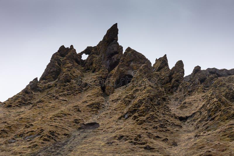 Stenigt landskap för stenigt berg av Island royaltyfri bild