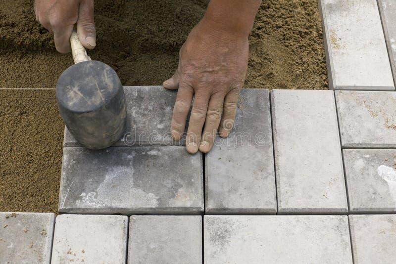 stenlägga för block