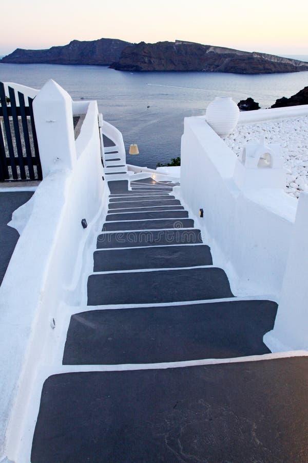 Stenmoment i Fira i Santorini, Grekland fotografering för bildbyråer
