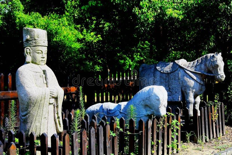 Stenstatyn är en stenmanaktivering för mausoleet för kejsare` s fotografering för bildbyråer