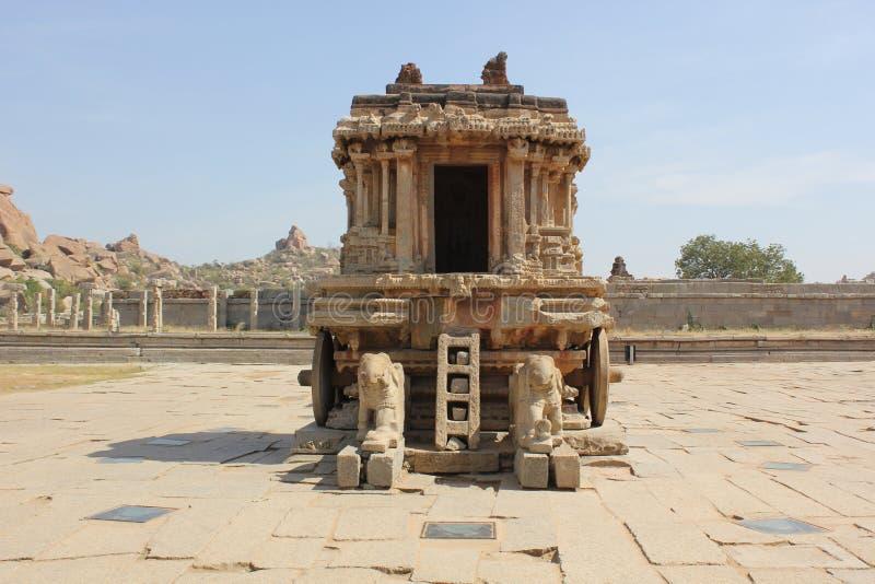 Stentriumfvagn på den Vittala templet, Hampi Indien arkivbilder
