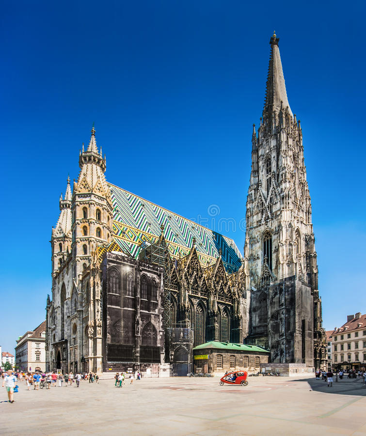 Stephansdom (圣斯蒂芬的大教堂)在维也纳,奥地利 免版税库存照片