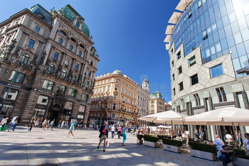 Stephansplatz - il quadrato principale di Vienna, centro urbano storico, Vienna, Austria immagine stock libera da diritti