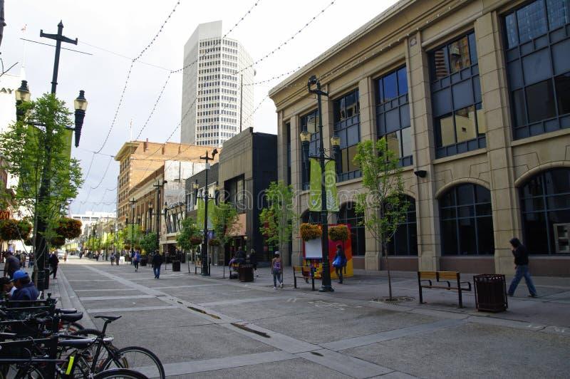 Stephen Avenue in im Stadtzentrum gelegenem Calgary, Alberta, kann lizenzfreies stockbild