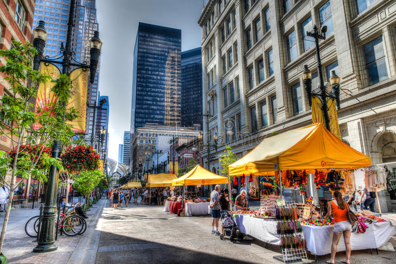 Stephen Avenue Walk in Calgary, Kanada lizenzfreie stockfotos
