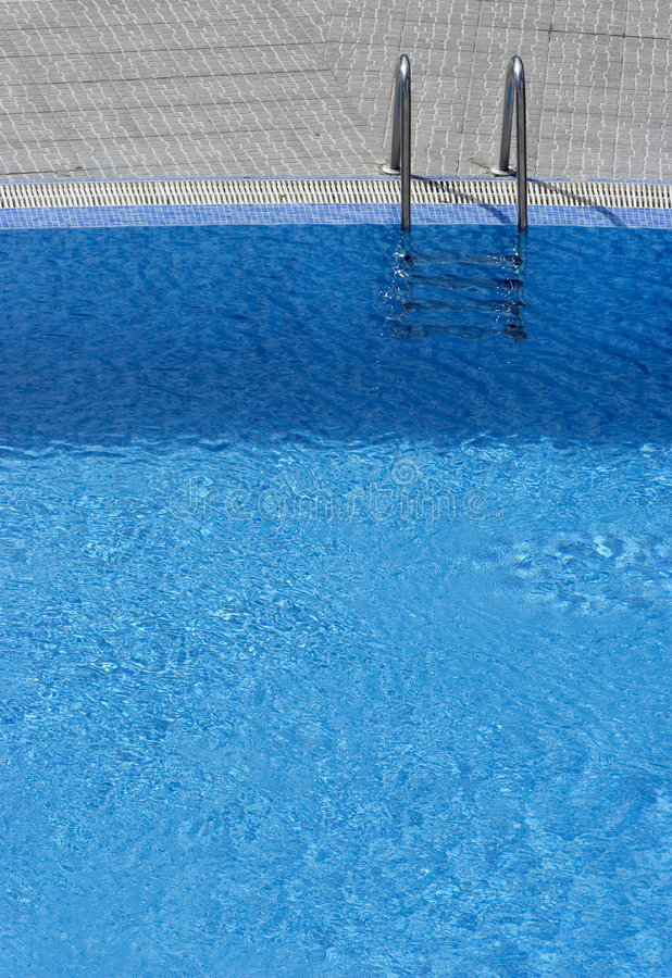 Free Steps Into Swimming Pool Royalty Free Stock Photos - 1358728