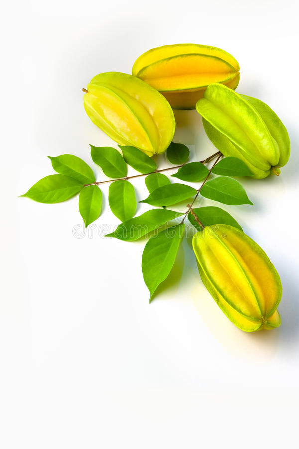 Stercarambola of sterappel starfruit op witte achtergrond royalty-vrije stock afbeelding