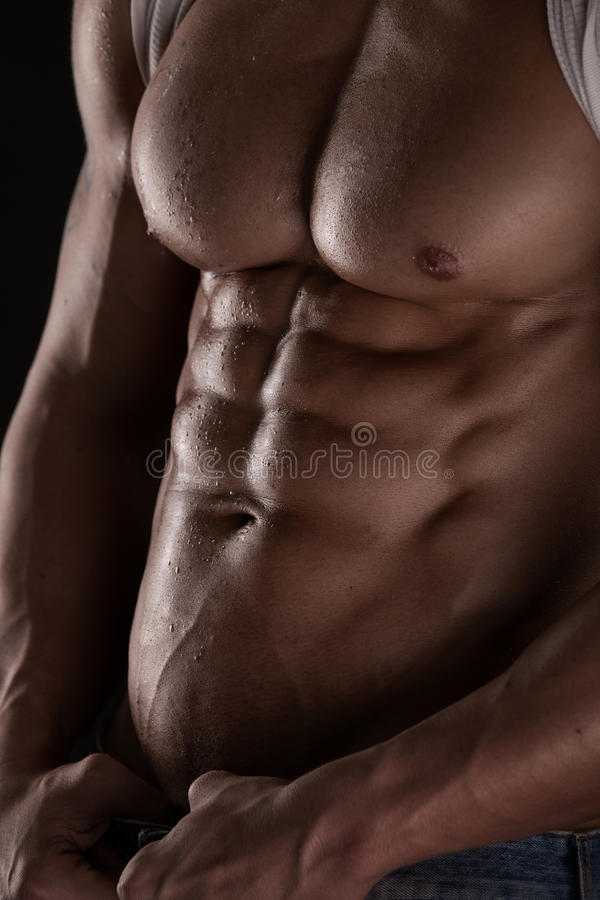 Sterke Atletische Mensengeschiktheid ModelTorso die zes pakkenabs tonen. stock fotografie