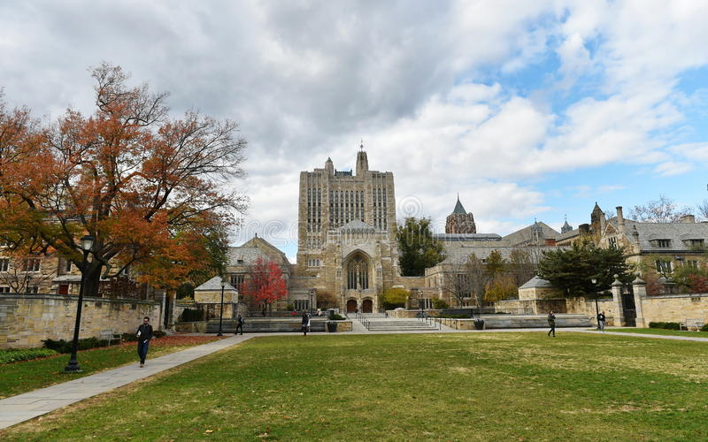 Sterling Memorial Library em Yale University foto de stock