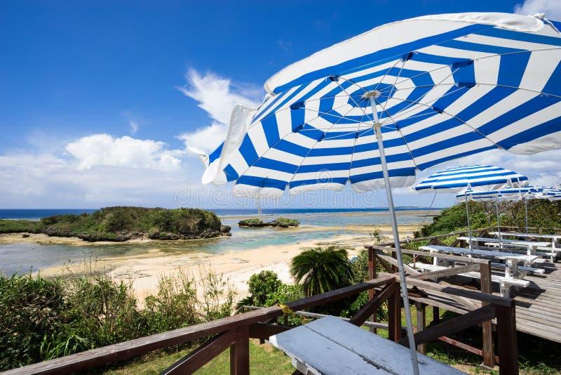 Stern-Sand-Strand von Iriomote-Insel in Okinawa, Japan lizenzfreie stockbilder