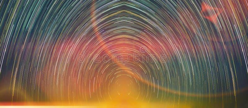 Stern schleppt Bewegung nachts mit abstraktem Fantasielicht lizenzfreies stockbild