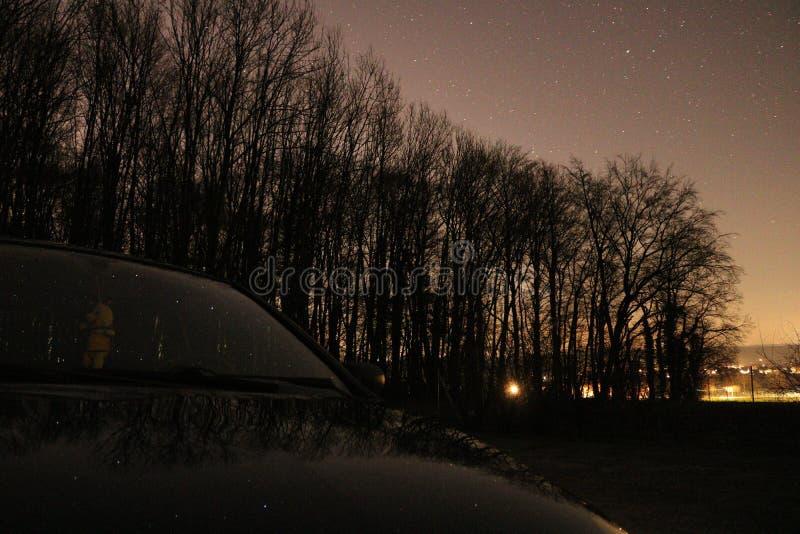 Sterne und Autos lizenzfreie stockfotos