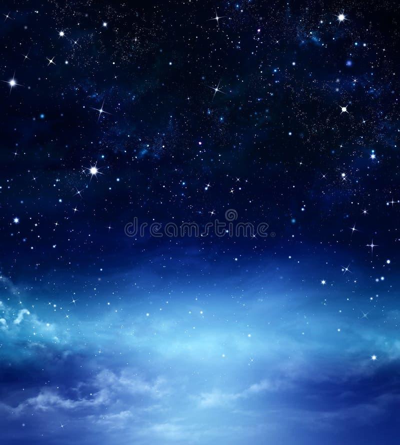 Sternenklarer Himmel im offenen Raum stock abbildung