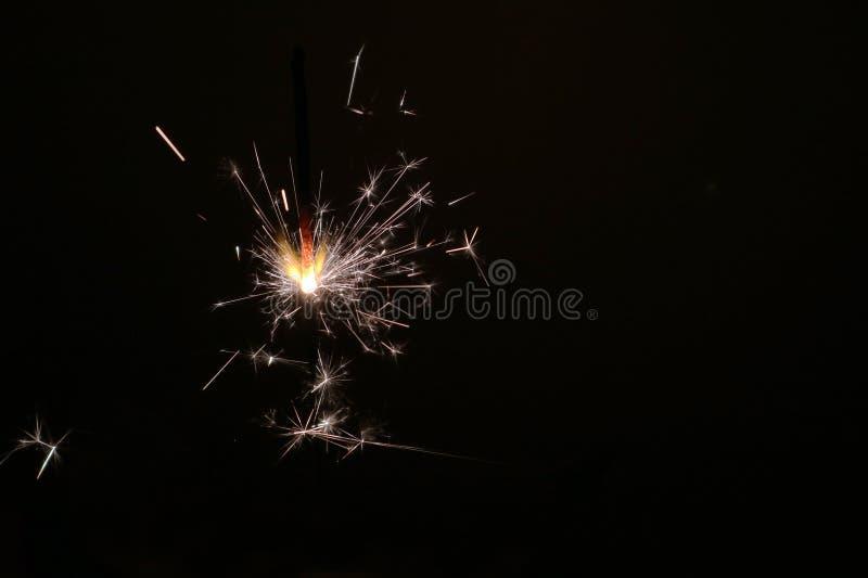 Sterretje op een donkere achtergrond als symbool van de Nieuwe jaarvakantie stock foto