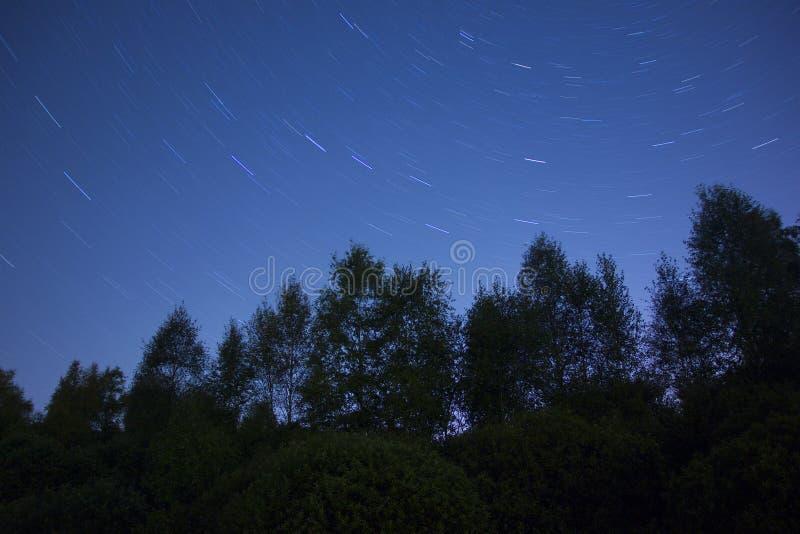 Sterrige hemel dichtbij Moskou stock foto's