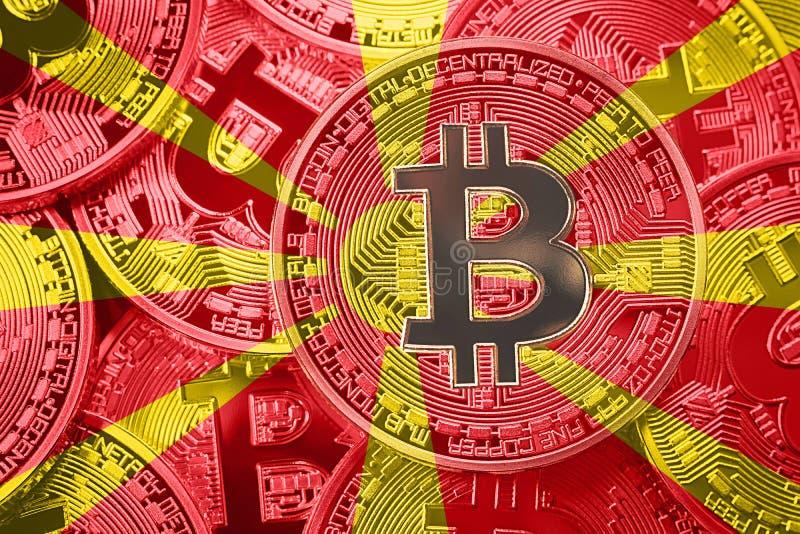 Sterta Bitcoin Macedonia flaga Bitcoin cryptocurrencies concep fotografia stock