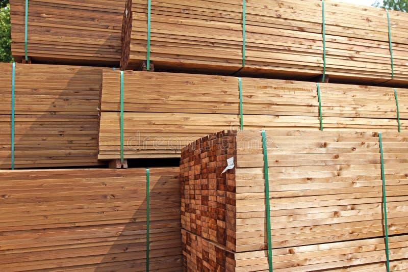 Sterta drewniane tarasowe deski zdjęcia stock