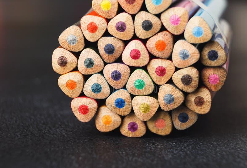 Sterta kolorowe ołówek porady, sztuki tło fotografia royalty free