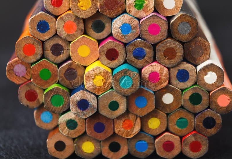 Sterta kolorowe ołówek porady, sztuki tło obrazy royalty free