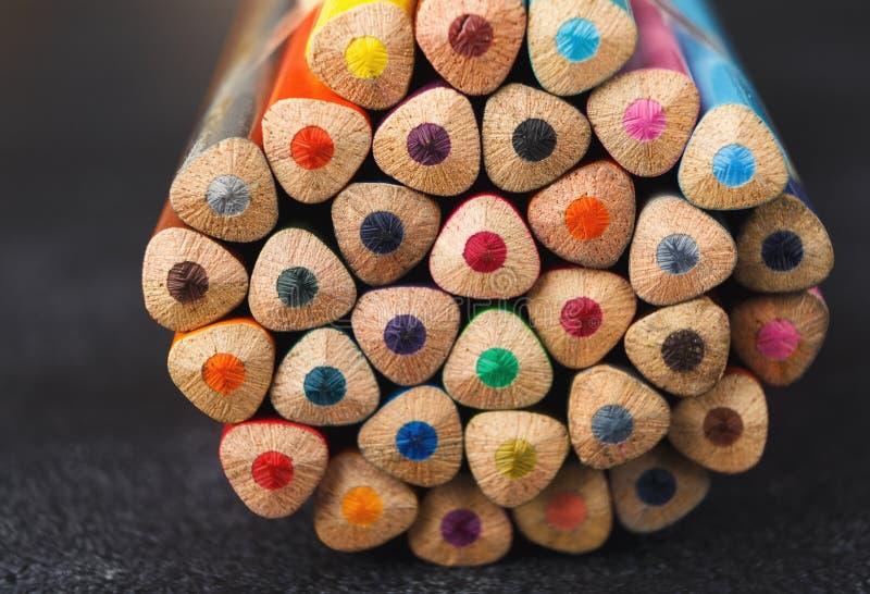 Sterta kolorowe ołówek porady, sztuki tło zdjęcia royalty free