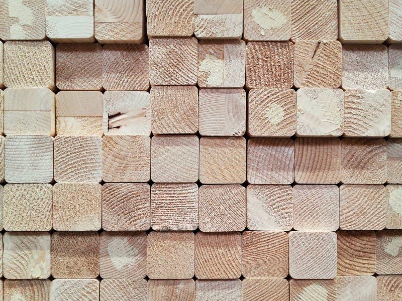 Sterta kwadratowy drewno zaszaluje dla budowy w magazynie zdjęcia stock